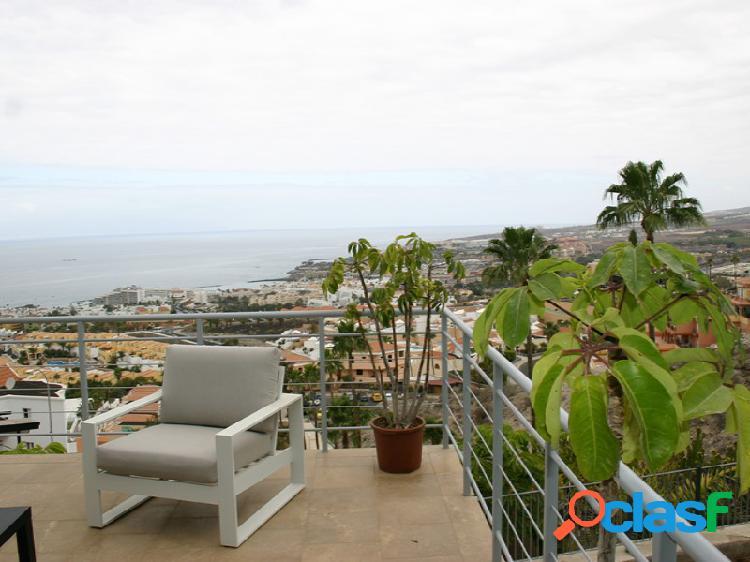 Villa en venta de 3 habitaciones y 3 baños con espectaculares vistas al mar y piscina privada