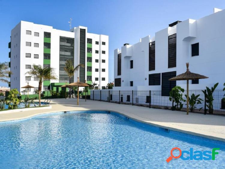 Apartamento en planta baja con jardin a 600m de la playa de mil palmeras