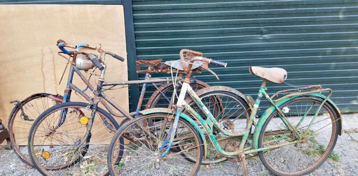 Lote de tres bicicletas bh,etc,para restaurar o piezas