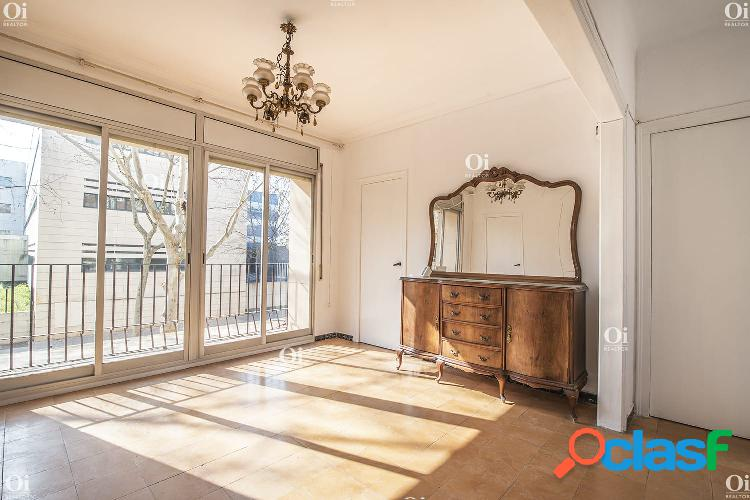 Fantástico piso en venta en la calle treball, barcelona