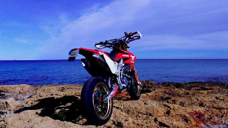 Honda CRF 450 matriculada supermotard