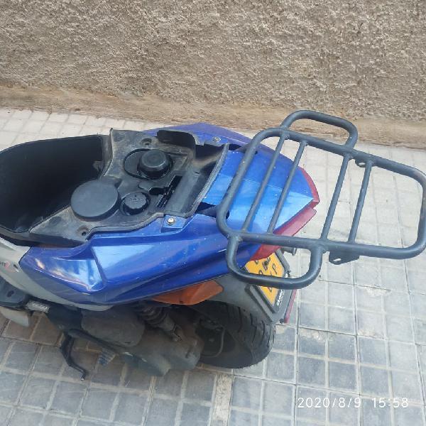 Vendo moto seminueva peugeot speedfight 2