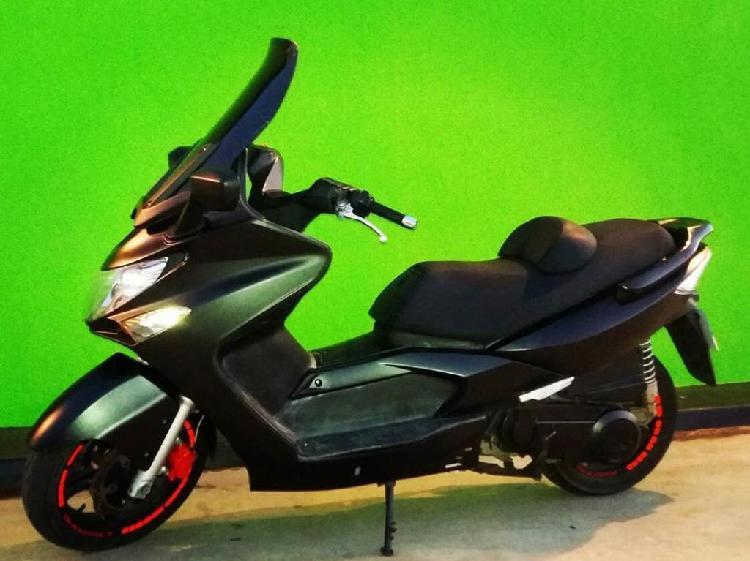 Moto kymco 250 scooter