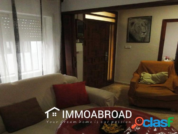 Adosado en venta en Oliva con 5 dormitorios y 1 baños 1