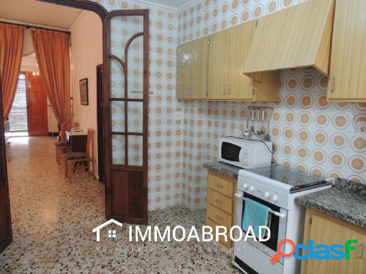 Adosado en venta en Oliva con 5 dormitorios y 2 baños 3