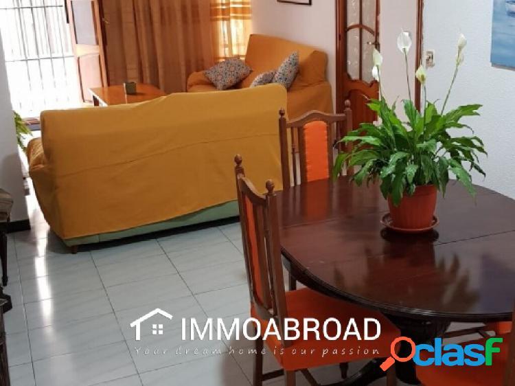 Adosado en venta en Oliva con 5 dormitorios y 3 baños 1