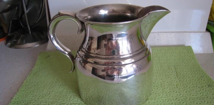 Antigua jarra de la prestigiosa firma de almazan cobre