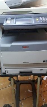 Fotocopiadora oki es8451 color / okies71070 b/n