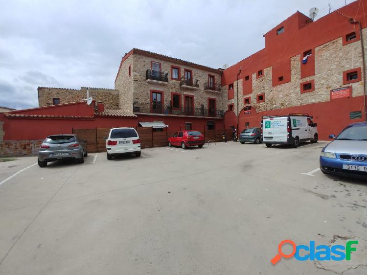 Se alquilan plazas de parking descubiertas frente biblioteca calonge