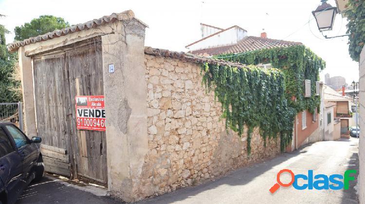 Terreno urbano en el centro del pueblo para construir la casa de tus sueños