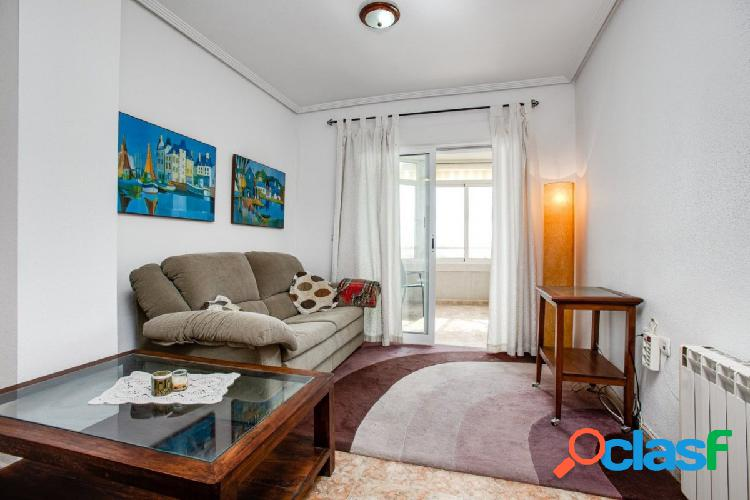 Apartamento primera linea, 3 dormitorios y 2 baños con vista del mar