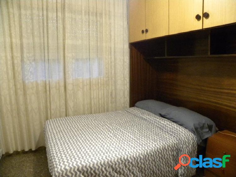 Piso de tres habitaciones dobles y una individual en San Andrés de Palomar 1