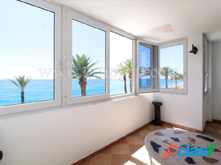 Apartamento con vistas al mar en lloret de mar.