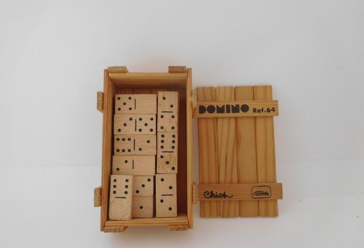 Juego domino. ref 64. goula chics.