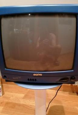 Televisor sanyo de 14 pulgadas