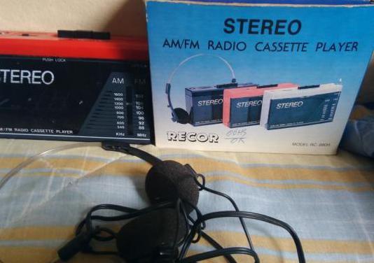 Walkman con cascos y radio fm/am