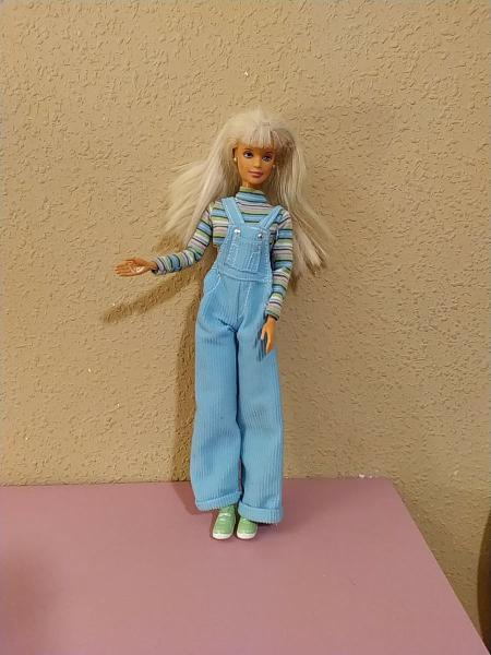 Barbie cool colors