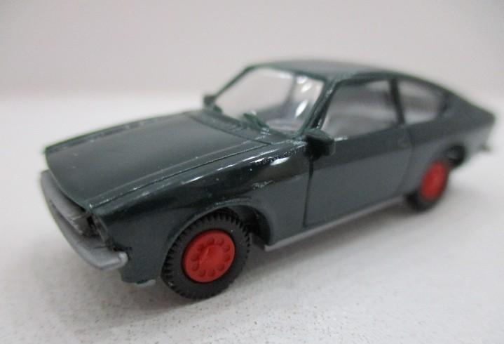 Coche escala 1:87 opel kadett c coupé llantas rojas