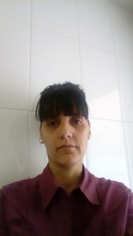 Chica española 39 años busca trabajo por horas servicio