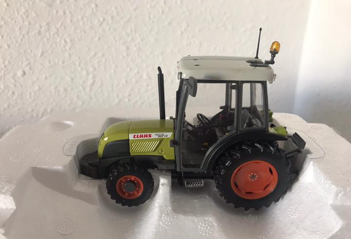 Precioso tractor claas nectis 237 ve uh 1:32