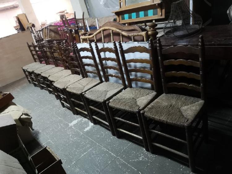 Sillas rustico de madera maciza y paja