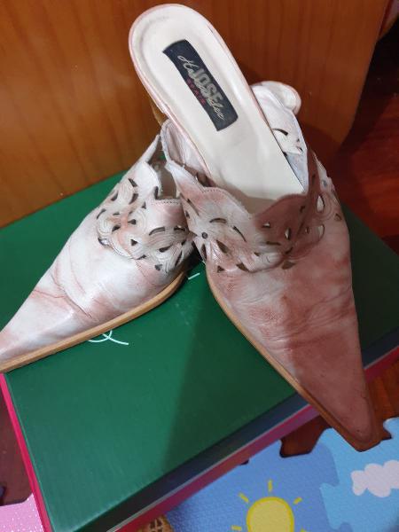 Zapatos destalonados.talla 38