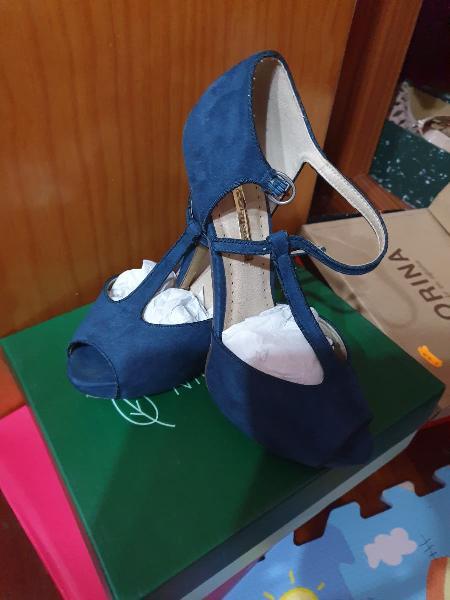 Zapatos tacón antelina.talla 38.