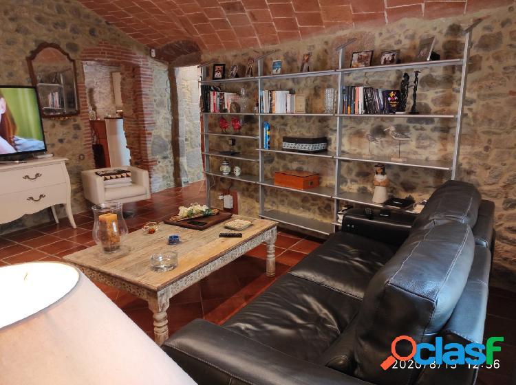 Preciosa casa de piedra restaurada con gran encanto 2