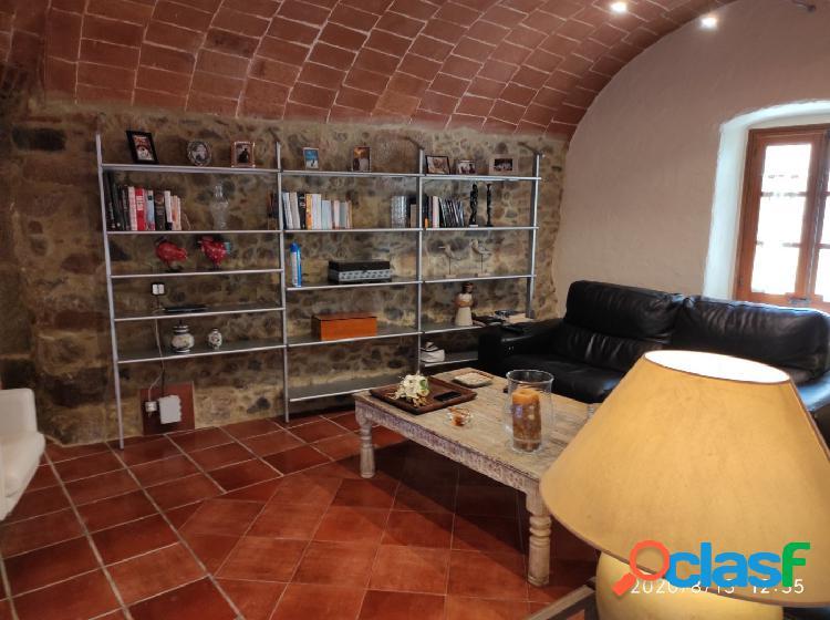 Preciosa casa de piedra restaurada con gran encanto 3