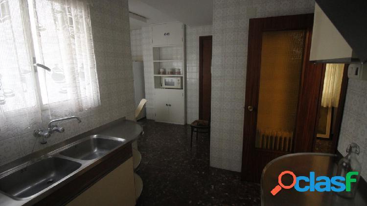 Piso en alquiler en Alfonso X el sabio. 4 dormitorios 2 baños. Edificio Goya 2