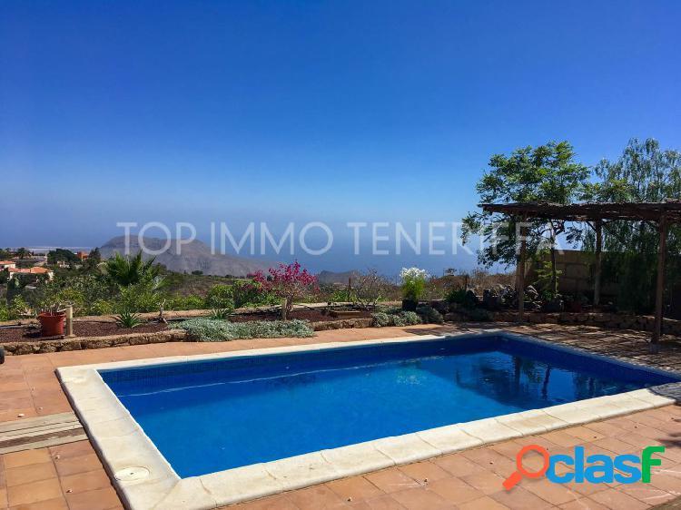 Finca con vistas y piscina privada - a la venta