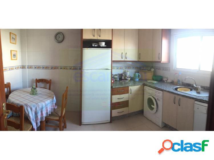 Vivienda adosada 4 habitaciones, triplex venta manilva