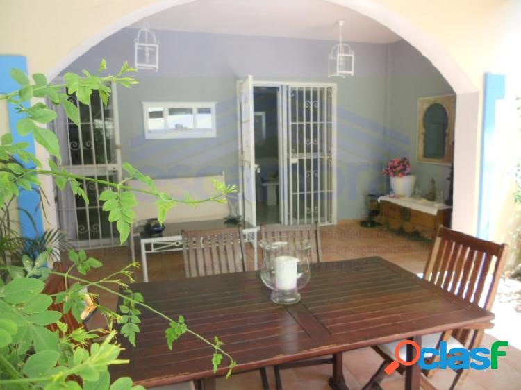 Chalet 4 habitaciónes, duplex venta estepona