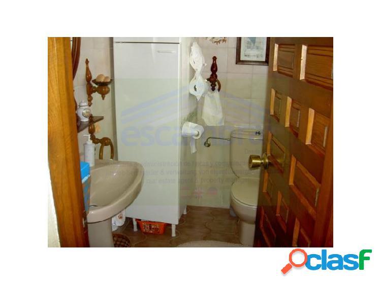 Chalet 4 habitaciónes, duplex venta manilva