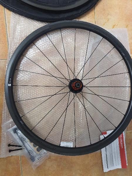Juego de ruedas roval clx 32 (freno de llanta)