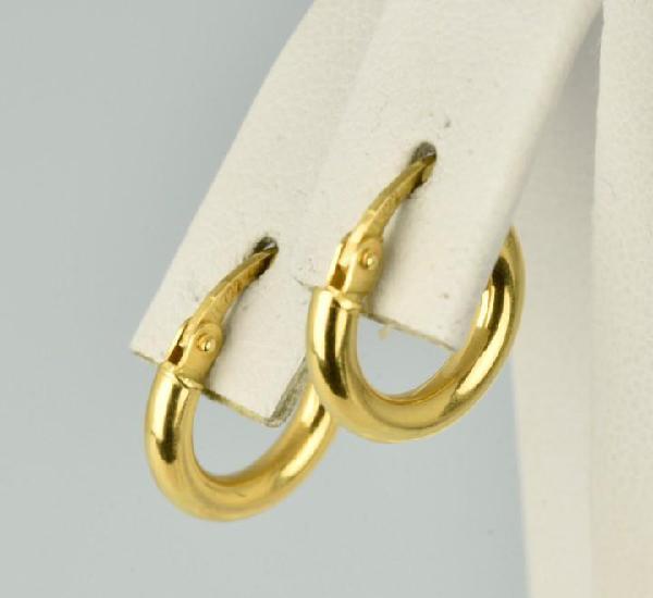 Pendientes de oro amarillo de 18k. peso: 1.25 gr.