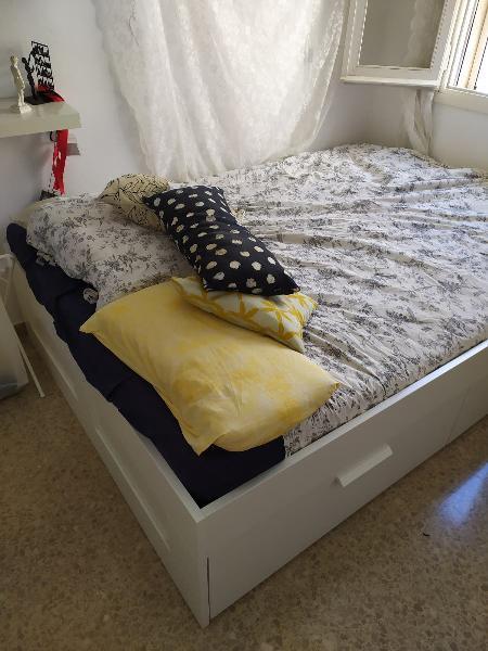 Cama brimnes con colchón