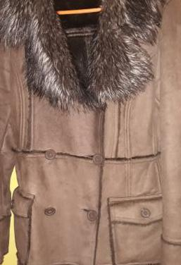 Abrigo de cuero de berska