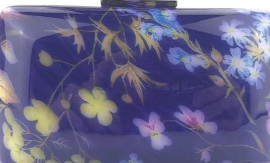 Bolso de lujo de fiesta en color lavanda con flore
