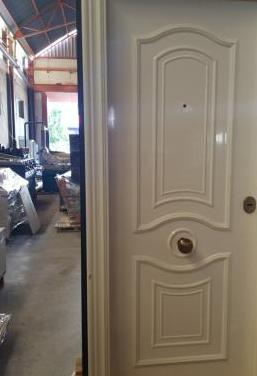 Doble puerta de entrada