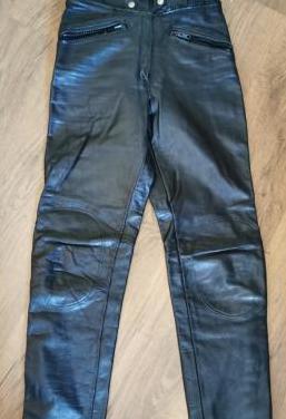 Pantalón de cuero rodillas reforzadas