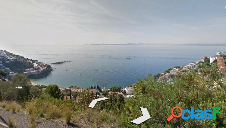 Terreno con vistas al mar