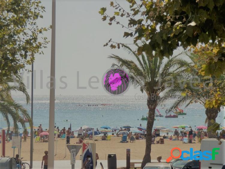 Piso enorme con vistas al mar a pie de la playa arenal en jávea