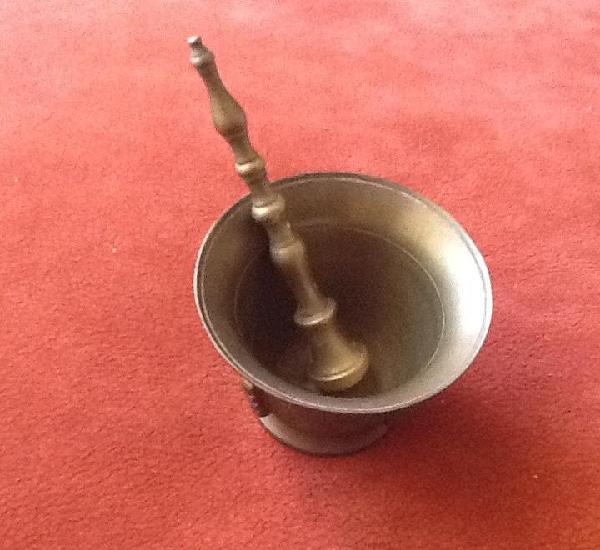 Mortero de bronce, tamaño pequeño.... envio certificado