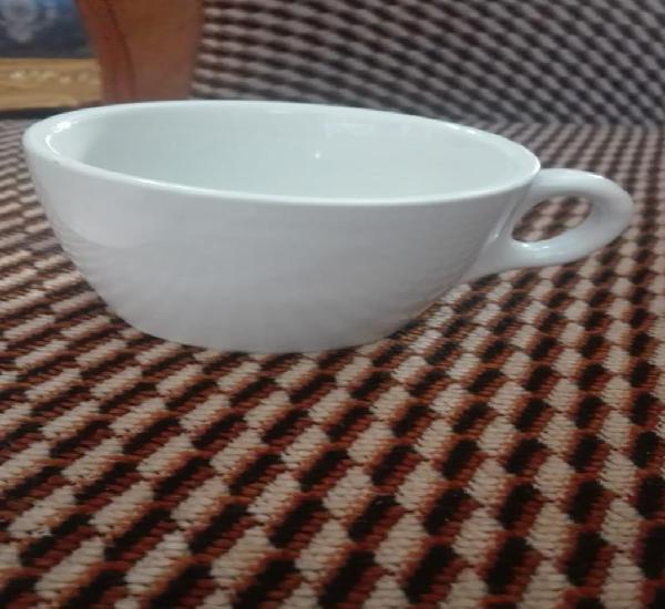 Taza de porcelana blanca década de los 60 más o menos