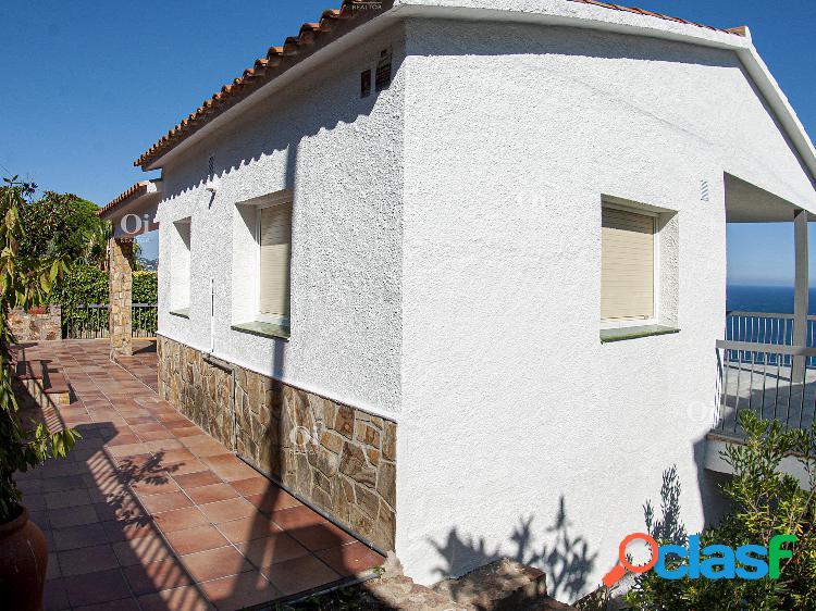 Bonita casa con vistas al mar en santa cristina, blanes