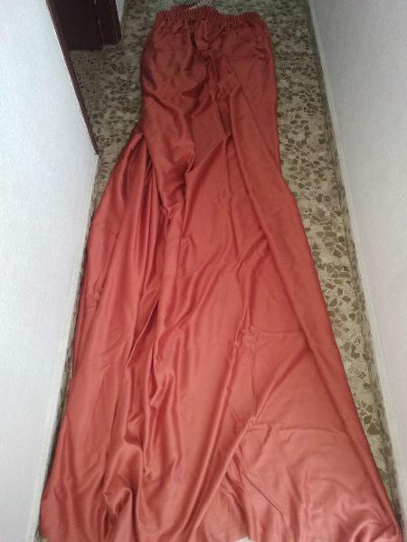 2 cortinas naranjas, alto 250cm, ancho 227cm aprox