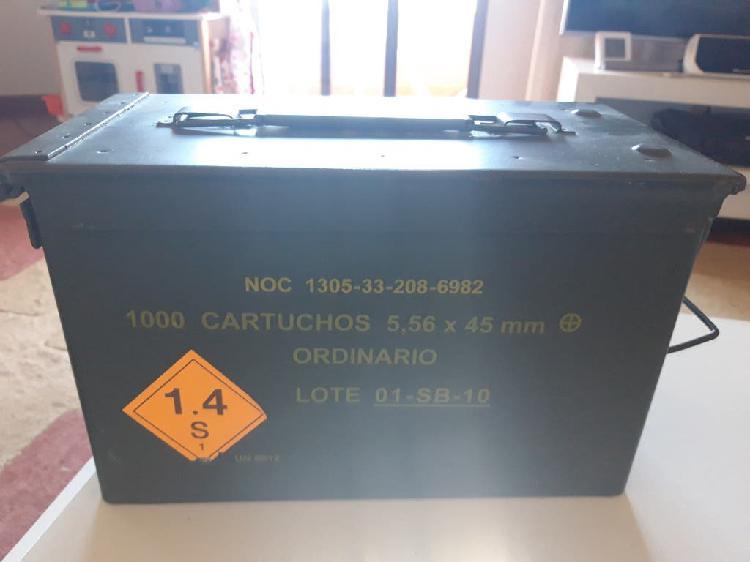 Caja de hierro militar