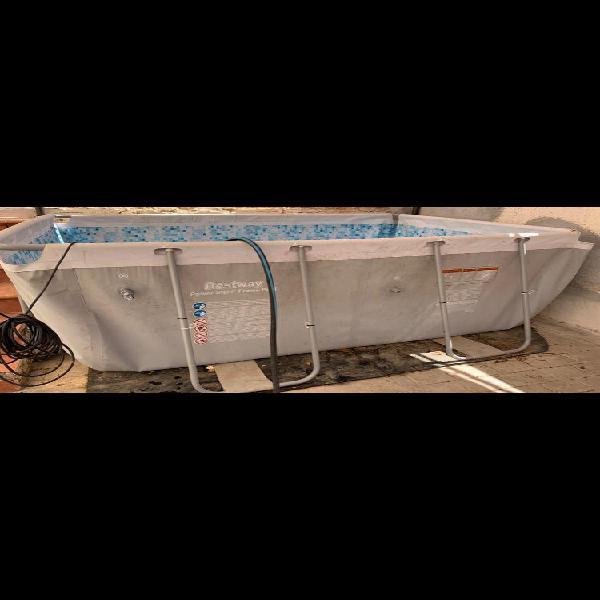 Piscina bestway 300x210x100 + cubierta de lona