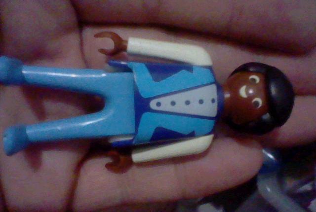 Playmobil hombre negro raya pelo lado cantante o similar